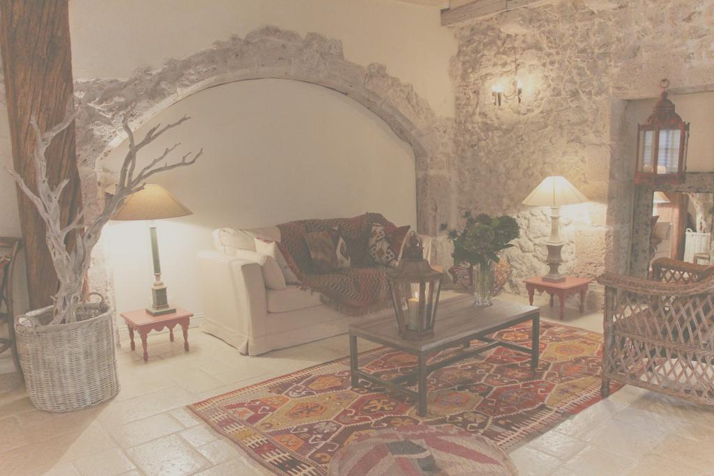 la maison d ines g te de charme blois dans le loir et cher situ e c t du ch teau le g te. Black Bedroom Furniture Sets. Home Design Ideas